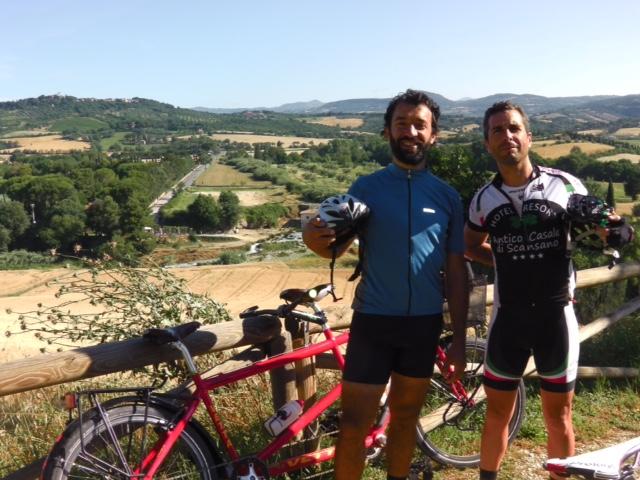 Maremma in bicicletta, ospiti dell'Antico Casale di Scansan